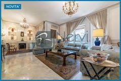 Three-bedroom Apartment of 270m² in Via dei Colli della Farnesina
