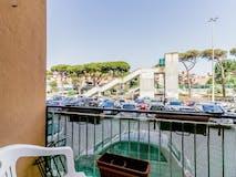 Two-bedroom Apartment of 82m² in Viale Dei Romagnoli