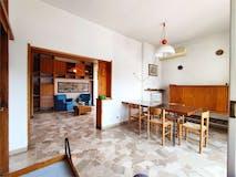 Three-bedroom Apartment of 135m² in Via Fratelli Bronzetti 82