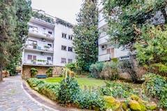 Two-bedroom Apartment of 150m² in Via Cassia Antica