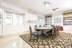 Four-bedroom Apartment of 180m² in Via Antonio Pollaiolo 2