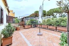 Quadrilocale di 75m² in Via Del Vivaio 42