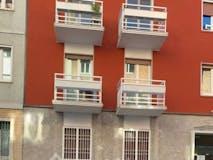 Two-bedroom Apartment of 75m² in Via Dei Carracci