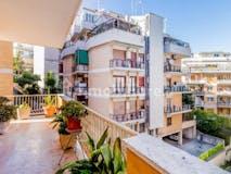 Two-bedroom Apartment of 95m² in Via Baldo degli Ubaldi 71