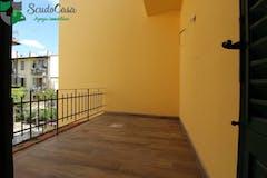 Three-bedroom Apartment of 90m² in Via Cuoco 5