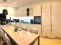 Three-bedroom Apartment of 150m² in Via Luigi Sacco 5