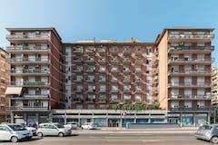 Two-bedroom Apartment of 100m² in Via Armando Fraccaroli