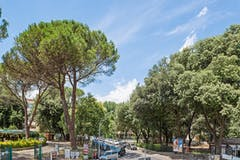 One-bedroom Apartment of 50m² in Via degli Orti della Farnesina 155
