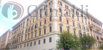 Three-bedroom Apartment of 146m² in Via Cola di Rienzo 271