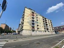 Three-bedroom Apartment of 100m² in Corso Sebastopoli