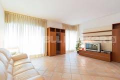 Two-bedroom Apartment of 130m² in Via Livio Pentimalli 57
