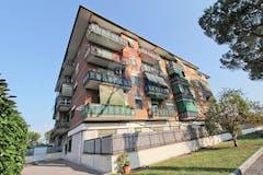 Two-bedroom Apartment of 107m² in Via Luca Ghini