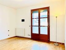 Two-bedroom Apartment of 85m² in Via dei Rastrelli  24