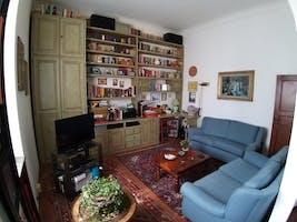 Two-bedroom Apartment of 80m² in Via dei della Robbia 60