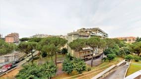 Three-bedroom Apartment of 107m² in Via Angelo Viscogliosi