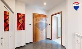Studio of 97m² in Via Dei Fulvi