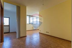 Two-bedroom Apartment of 80m² in Via Degas 81