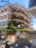 Two-bedroom Apartment of 105m² in Via Silvestri