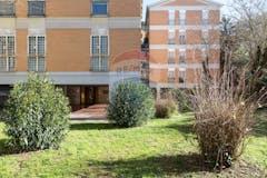 Four-bedroom Apartment of 136m² in Via Pio Emanuelli 55