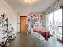 Two-bedroom Apartment of 89m² in Via Parma 1