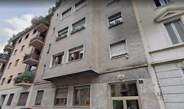 Two-bedroom Apartment of 70m² in Via Giulio Ceradini 4