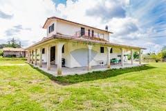 Four-bedroom Villa of 330m² in Via di Torre Pellice 120