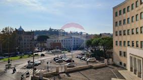 Plurilocale di 200m² in Piazzale degli Eroi
