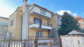Quadrilocale di 160m² in Via Montallegro