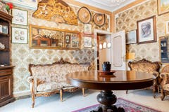 Two-bedroom Apartment of 90m² in Via Benedetto Xv 36