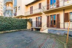 Multi-bedroom House of 450m² in Via Riva Del Garda 12