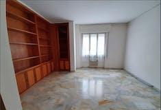 Three-bedroom Apartment of 105m² in Via Scipione Ammirato