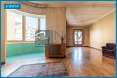 Three-bedroom Apartment of 207m² in Via Archimede