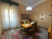 Four-bedroom Apartment of 120m² in Via Marco Minghetti