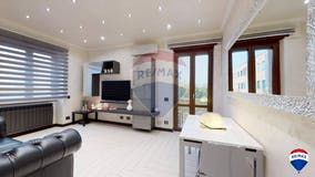 Two-bedroom Apartment of 85m² in Via Arcevia