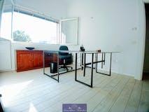 Two-bedroom Apartment of 78m² in Viale Belfiore