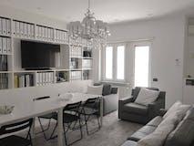 Three-bedroom Apartment of 145m² in Via Taddeo Da Sessa
