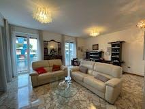 Three-bedroom Apartment of 125m² in Viale Ergisto Bezzi