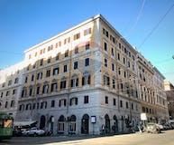 Two-bedroom Apartment of 128m² in Via Farini