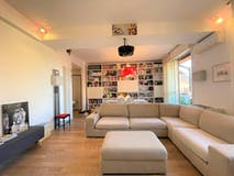Two-bedroom Apartment of 124m² in Via Mascarella
