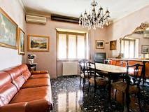 Two-bedroom Apartment of 100m² in Via Ceccano