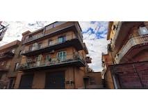 Two-bedroom Apartment of 70m² in Via Mergozzo