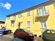 Two-bedroom Apartment of 82m² in Via Capello 2
