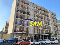One-bedroom Apartment of 65m² in Via Benaco 26