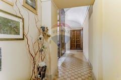 Three-bedroom Apartment of 131m² in Via Premuda 3