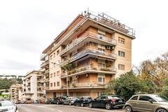 Two-bedroom Apartment of 96m² in Via San Damaso 23
