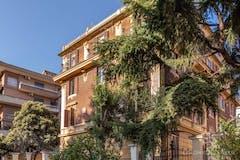Three-bedroom Apartment of 160m² in Via Tolmino
