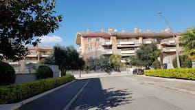 Two-bedroom Apartment of 85m² in Viale Vincenzo Marronaro