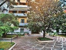 Three-bedroom Apartment of 113m² in Viale di Villa Massimo 24