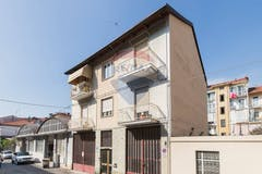 Three-bedroom Apartment of 110m² in Strada Murroni 17