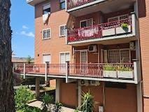 Two-bedroom Apartment of 85m² in Via Francesco Vitalini